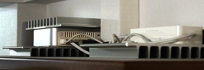 Mac_mini_G4_server.jpg