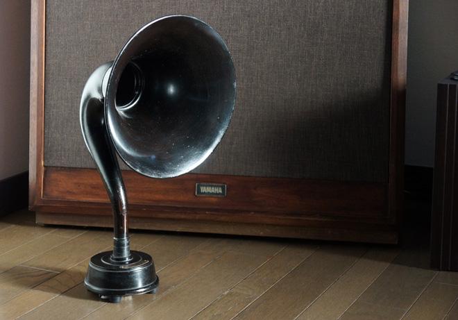 antique_speaker.jpg